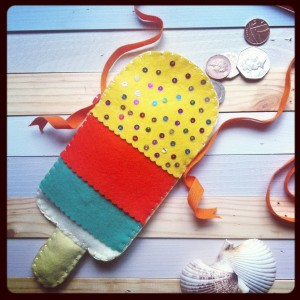 make: ice lolly purse (ooh and a WIN! a pack of lovely felt)